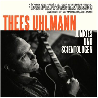 """Thees Uhlmann hat sein neues Album """"Junkies und Scientologen"""" angekündigt."""
