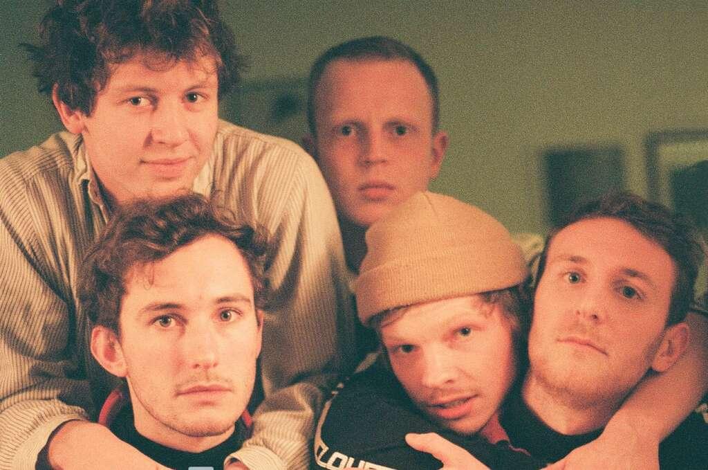 Squid sind nur eine der tollen Bands, die derzeit auf dem Südlondoner Label Speedy Wunderground die Gitarrenmusik ganz beiläufig revolutionieren.