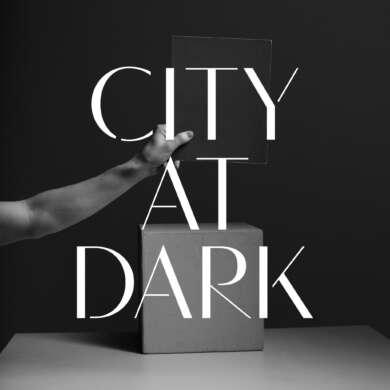 City At Darks Debütalbum changiert mühelos zwischen düsterer Melancholie und druckvoller Verzweiflung.