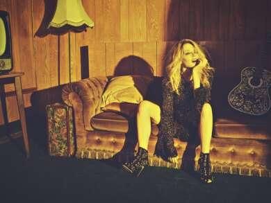 """Kylie Minogue veröffentlicht ihr Live-Album """"Golden – Live in Concert""""."""