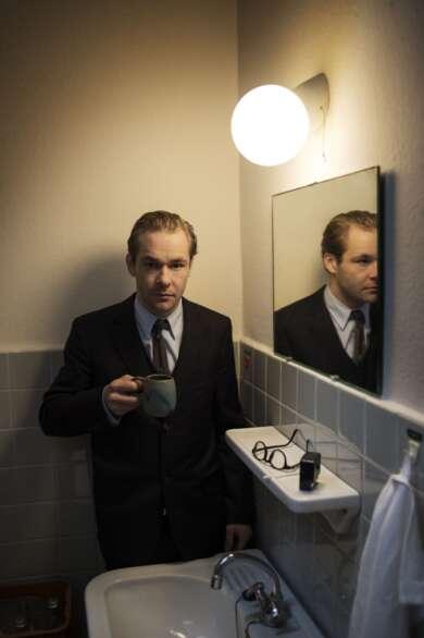 Mirco Kreibich spielt Hamlet im Thalia Theater, Regie: Jette Steckel