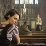 Fleabag in der Kirche
