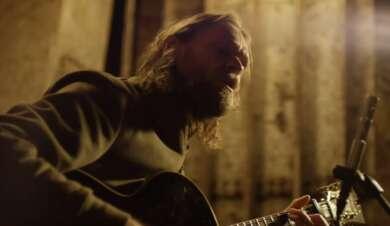 Ingo Pohlmann mit Gitarre
