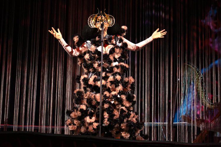 Björk gibt Stream-Konzerte im August.