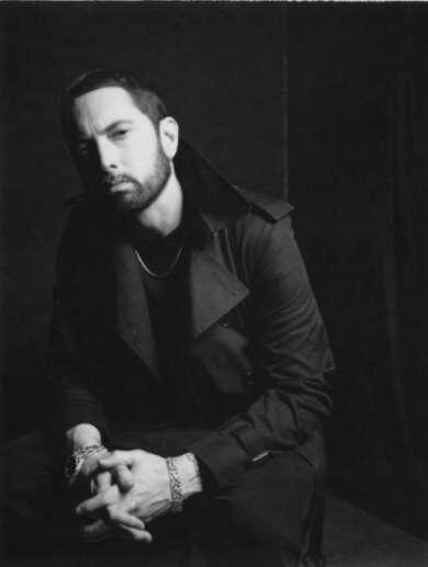 Eminem entschuldigt sich bei Revolt TV.