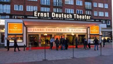 """Das Ernst-Deutsch-Theater in Hamburg erhält für das """"Plattform Festival"""" den Barbara-Kisseler-Preis."""