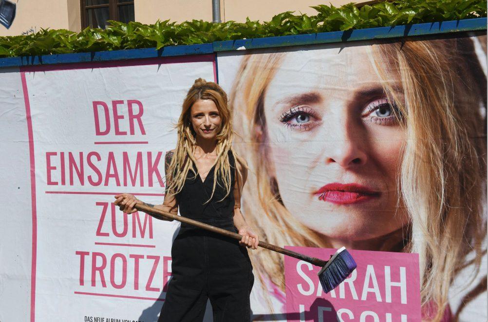 Sarah Lesch kommt im August für ein Konzert nach Hamburg.