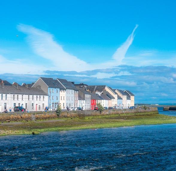 Die Häuser der Stadt Galway.