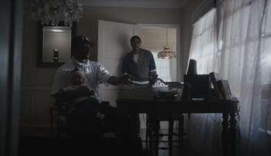 """Nas und Hit-Boy mit Sohn im Video zu """"Ultra Black""""."""