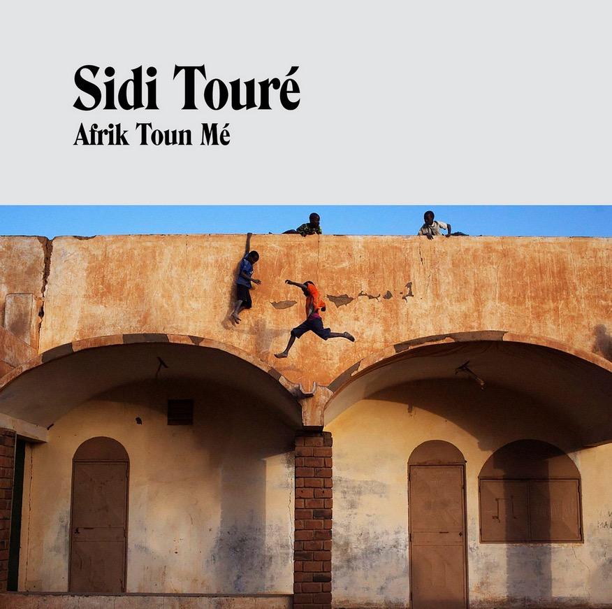 Sidi Touré Afrik Toun Mé Albumcover Platz zehn unserer September-Liste der besten Alben 2020