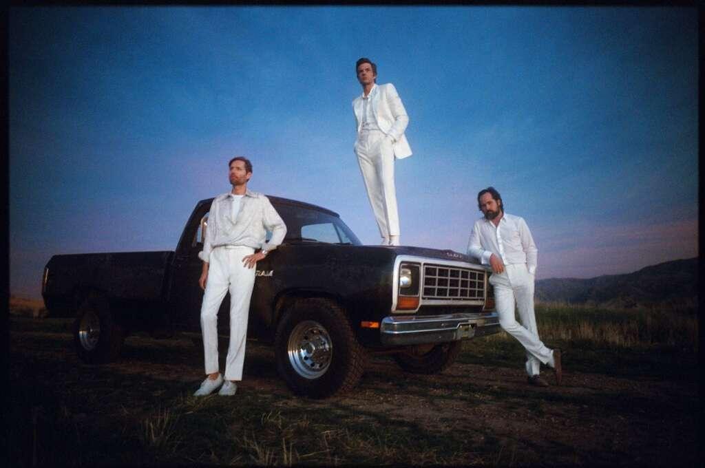 The Killers Auto Weiße Anzüge Wüste