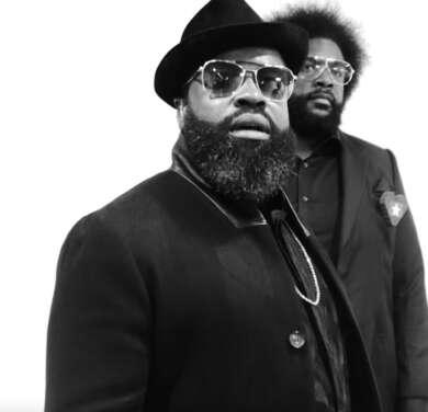 Black Thought gemeinsam mit Questlove, mit dem er The Roots anführt.