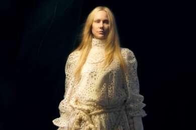 """Susanna hat ihr neues Video """"The Vampire"""" veröffentlicht."""