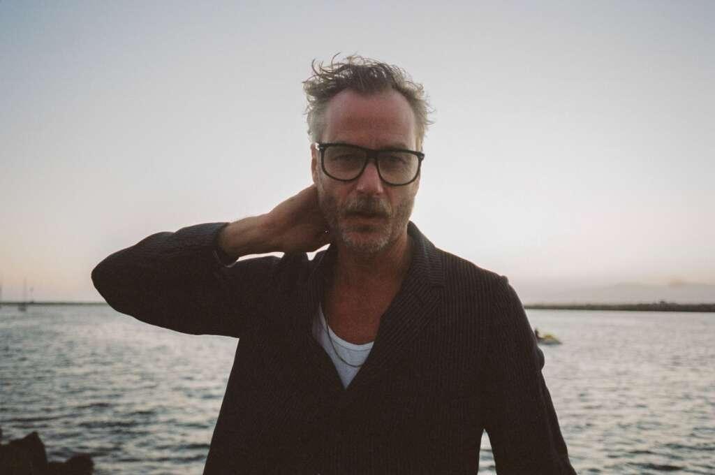 Matt Berninger am Meer