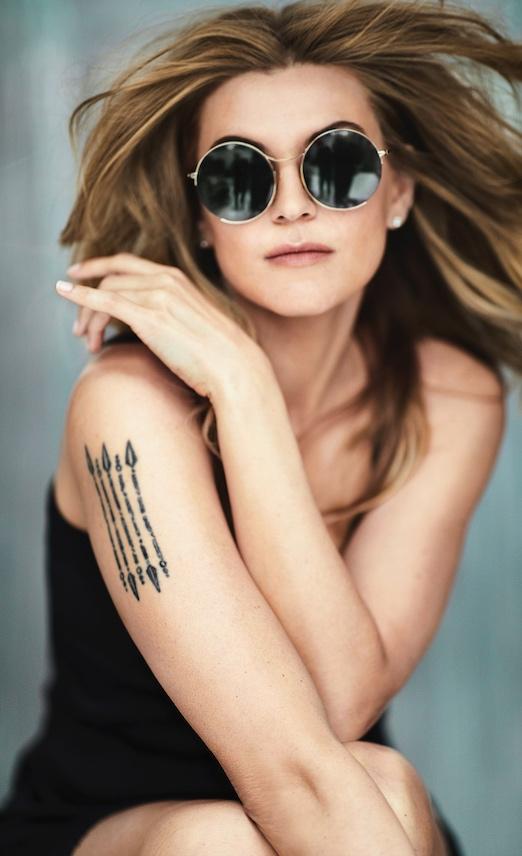 Melody Gardot mit Sonnenbrille