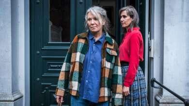 "Iris Berben und Nina Kunzendorf in ""Altes Land""."