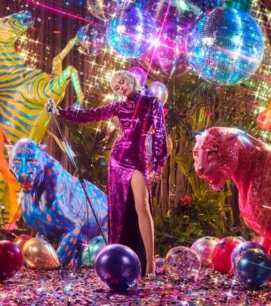 Miley Cyrus veröffentlicht ihre neue Single Prisoner mit Dua Lipa