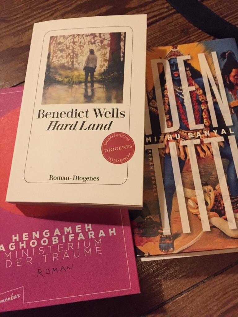 Cover: Die besten Bücher im Frühjahr 2021