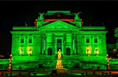 Hessisches Staatstheater Wiesbaden Großes Haus Theaterpodcast Wasser oder Wodka
