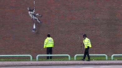 Banksy Reading Create Escape Gefängnis Graffiti
