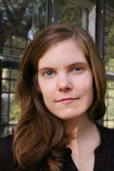 """Julia Rothenburg veröffentlicht den Roman """"Mond über Beton"""""""