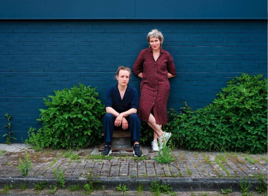 Emscherkunstweg: Britta Peters (Foto rechts), Künstlerische Leiterin von Urbane Künste Ruhr, und Marijke Lukowicz, Kuratorin für den Emscherkunstweg bei Urbane Künste Ruhr