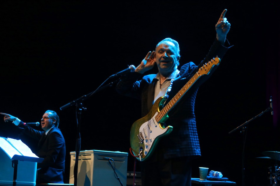 Jimmie Vaughan live on Stage.